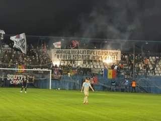 """Azi am facut perfuzii cu sange ros-albastru!"" Reactia lui Balint dupa bannerele afisate de ultrasii CSA Steaua"