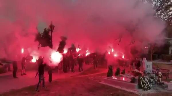 Astazi s-a implinit 1 an de moartea lui Ilie Balaci! Atmosfera impresionanta facut de ultrasii Craiovei! Cum si-au comemorat legenda! VIDEO