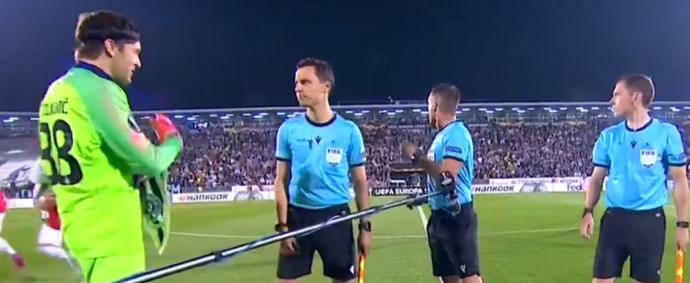 """""""Nu stiu de astea :))"""" FAZA serii in Europa League! Startul meciului Partizan - Manchester United a fost amanat din cauza unui motiv FABULOS! VIDEO"""