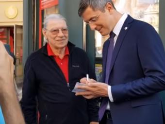 """""""Va dau un autograf?!"""" L-a recunoscut sau nu candidatul la presedintie Dan Barna pe Ienei la Oradea! Momentul care i-a infuriat pe fanii de fotbal"""