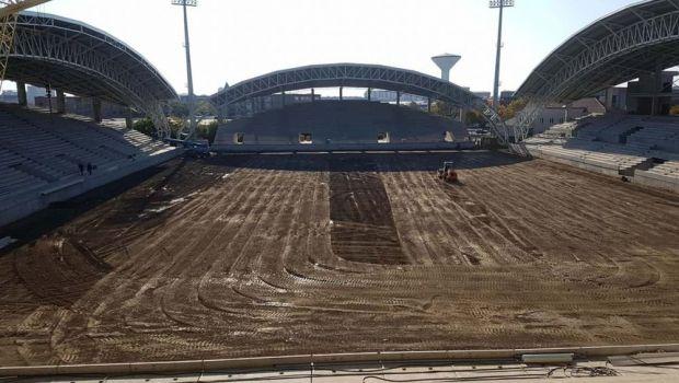 De necrezut! Primaria refuza sa-i plateasca, dar ei monteaza gazonul GRATIS! Situatie incredibila pe ultimul stadion de 5 stele construit in Romania
