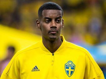 """INCREDIBIL! Au aruncat cu o MINGE de golf in el! Isak s-a DEZLANTUIT in presa suedeza dupa meciul cu Romania: """"Nu ar trebui iertati acesti idioti"""""""