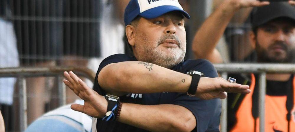 """INCREDIBIL! Maradona mai furios ca niciodata! Argentinianul a TIPAT la copiii care ii cereau autografe: """"Sa va duceti la naiba!"""""""