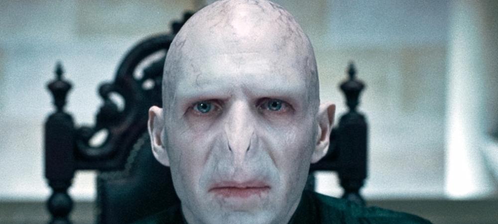 INCREDIBIL! I-au taiat nasul si acum arata ca Voldemort! Statuia lui Ibrahimovic, vandalizata a treia oara