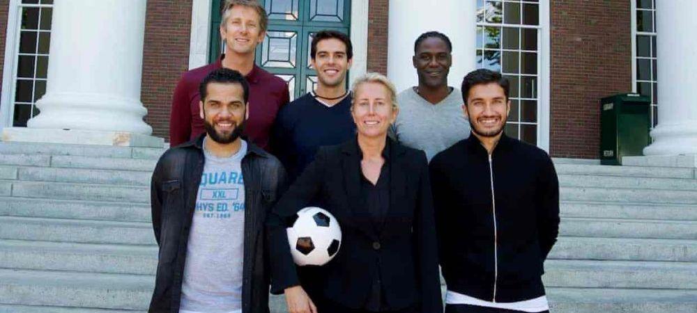 Ea e profesoara de business a vedetelor din fotbal. A colaborat cu Ferguson si i-a invatat totul despre afaceri pe Kaka, Dani Alves si Pique