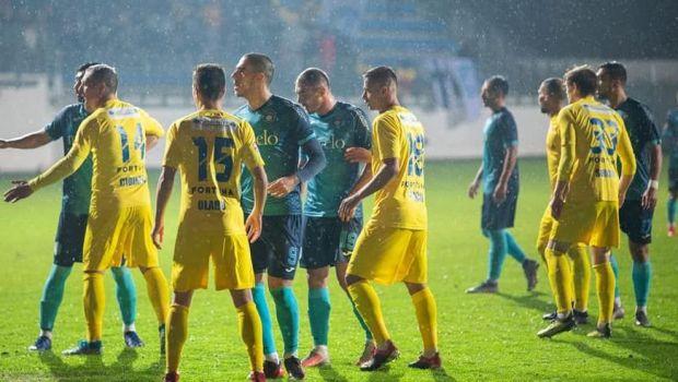 """Din MAGIA fotbalului romanesc! Dat afara in sunetele haitei de lupi, Lincar a fost prezentat la miezul noptii: """"Bine ai revenit acasa!"""""""