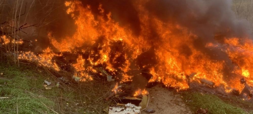 Au aparut pozele cu focul DEVASTATOR de dupa prabusirea elicopterului! Atentie, imagini SOCANTE! Ce s-a intamplat cu aparatul de zbor