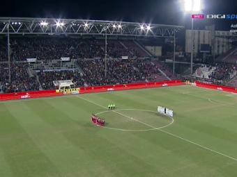 Moment de reculegere pentru legenda stelista Ilie Barbulescu inaintea derby-ului dintre CFR si FCSB. Tot stadionul l-a aplaudat