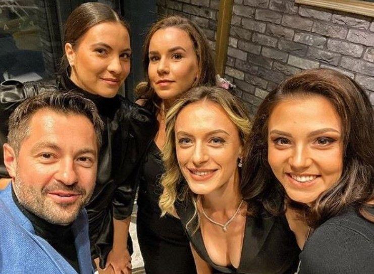 Au ACAPARAT toate privirile! Aparitie de SENZATIE pentru tenismenele Romaniei la dineul oficial dinaintea meciului cu Rusia   FOTO