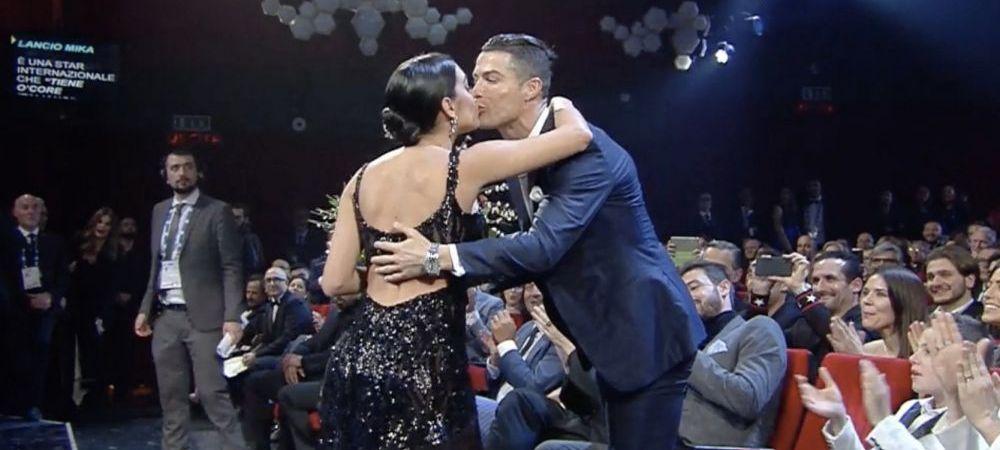 Georgina Rodriguez, aparitie SCLIPITOARE la Festivalul de la Sanremo! Ronaldo a fost alaturi de ea: starul lui Juventus a primit un buchet de flori si un pupic :)