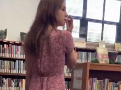 Au FILMAT o productie XXX in biblioteca scolii si orice copil putea sa intre peste ei! Cazul scandalos despre care s-a aflat acum. VIDEO