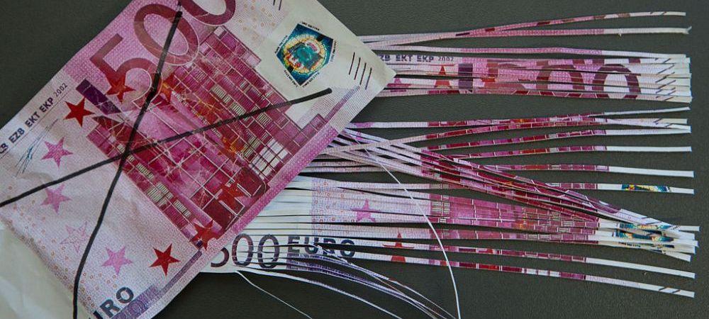 ALERTA! Coronavirusul a fortat autoritatile chineze sa arda peste jumatate de MILIARD DE EURO cash! Bancnotele transmit virusul!