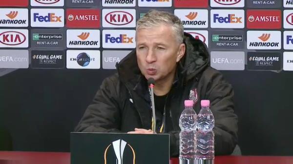 """""""De doi ani exersam asta, nu se poate asa ceva!"""" Dan Petrescu isi cearta jucatorii dupa meciul cu Sevilla! Ce l-a scos din minti pe antrenorul CFR-ului si ce spune despre sansele la calificare"""