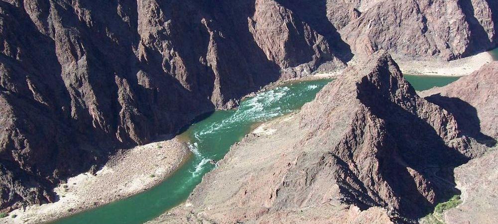 INCREDIBIL   Zeci de milioane de oameni sunt in pericol sa ramana fara apa! Unul dintre cele mai mari fluvii din lume este in pericol de a seca! Ce s-a intamplat
