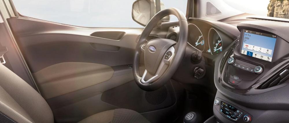 Ford Tourneo Courier: 6 dotari de top