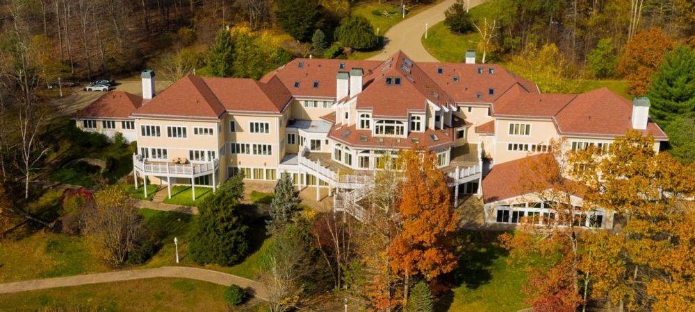Imagini incredibile cu conacul de 52 de camere pe care Mike Tyson i l-a vandut lui 50 Cent! Cum arata locuinta extravaganta de 3.3 milioane de lire