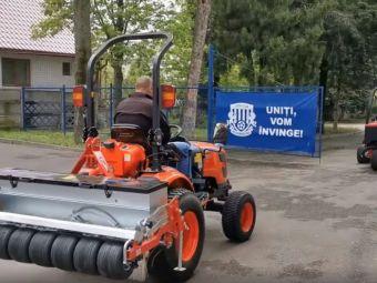 Poli Iasi a implinit 75 de ani, iar Primaria i-a facut cadou utilaje agricole!