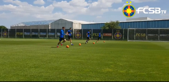 FCSB a inceput antrenamentele! VIDEO de la baza ros-albastrilor: fotbalistii se pregatesc sub supravegherea staff-ului medical