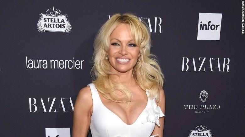 A spus TOT! Pamela Anderson s-a dezbracat de secrete! Dezvaluiri picante despre viata sa intima intr-un interviu exploziv