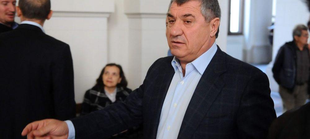"""Ce spune Victor Becali de VANZAREA lui Dinamo! """"Chiar nu inteleg aceasta situatie!"""" Fostul impresar da cartile pe fata"""