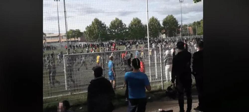"""IMAGINI SOCANTE! Meciul ILEGAL care poate reaprinde PANDEMIA in Franta! """"Sunt ingrozit!"""" Peste 400 de oameni s-au adunat pe STADION la Strasbourg"""