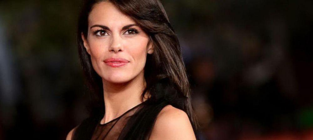 Cea mai sexy jurnalista a comis o gafa MONUMENTALA in direct! Ce a putut sa scoata pe gura
