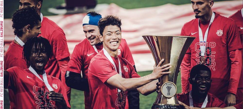 Toti la locurile lor! :) Imagini GENIALE din Austria de la finala Cupei! Cum au sarbatorit jucatorii lui Salzburg noul trofeu, respectand distantarea sociala