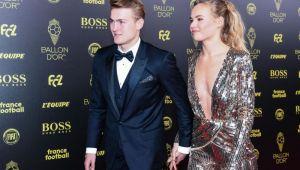 Chiar n-are nici o jena? E iubita unui star de la Juventus si isi spala LENJERIA INTIMA in public!