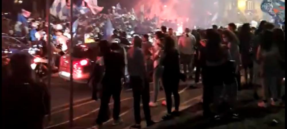 FOC pe strazile orasului, mii de oameni la o sarbatoare FANTASTICA! Fanii lui Napoli, dezlantuiti dupa victoria din Cupa Italiei! Ce s-a intamplat in oras la miezul noptii