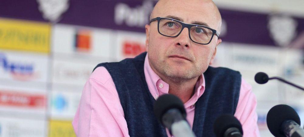 """Reactie dura a lui Leo Grozavu dupa amanarea meciului cu Dinamo! """"Totul se face in functie de cine e mai puternic! Celorlalti ni se pune pumnul in gura!"""""""