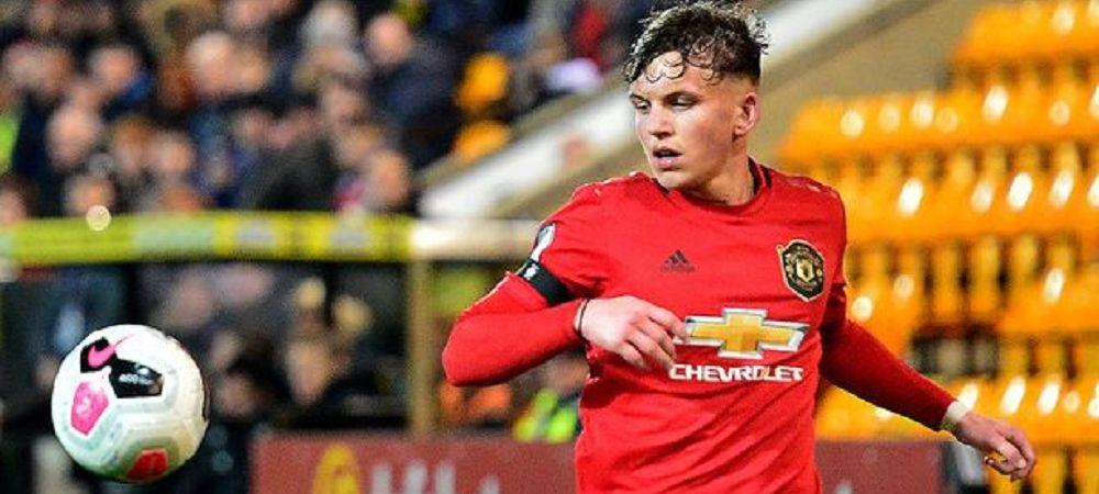 Un jucator crescut de Manchester United ii poate face concurenta lui Ianis! Cu cine negociaza Rangers in aceste momente