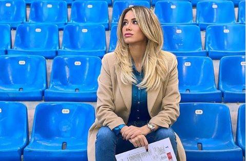 Fermecatoarea Diletta Leotta se intoarce pe stadioane, dar cu tribunele goale. Incredibil ce i-au cerut fanii in trecut. Toti au ramas MASCA