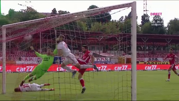 HALUCINANT! Dinamo, LOVITA din primul minut: gol dupa 41 de secunde marcat de Sepsi! TYSON Piscitelli l-a facut KO pe Safranko