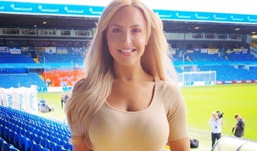 Pericol SEXY in Premier League! Blonda care a promovat cu Leeds United va da FOC stadioanelor. Nimeni nu se va mai uita la fotbal!