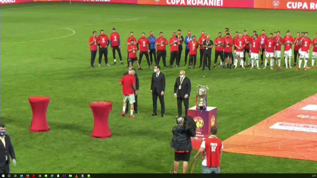 Imagini FABULOASE dupa finala castigata de FCSB! UNIC in lume: cine i-a dat trofeul lui Tanase