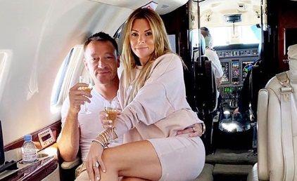 "Aston Villa a scapat, John Terry a ""zburat""! Fostul fotbalist a dat drumul la SAMPANIE in avionul privat. Sotia Toni a fost si ea la INALTIME"
