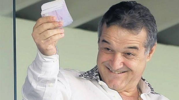 """A pierdut banii de prime la POKER! Dezvaluiri senzationale din viata lui Gigi Becali la FCSB: """"Am patit-o cu prima, nu mai avea bani!"""" :)"""