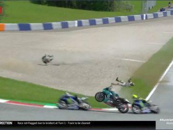 ZEUL din Moto GP Valentino Rossi, la un pas sa fie SPULBERAT de doua ori intr-o secunda! Clipul care face inconjurul planetei: cum a fentat moartea