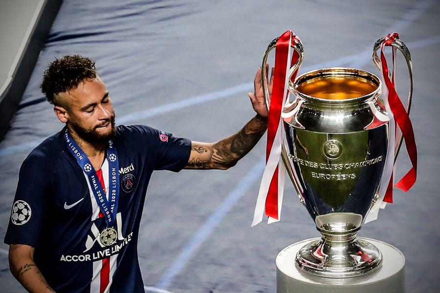 Sfasietor! Imaginea fantastica cu Neymar suprinsa la ceremonia de premiere! S-a dus la trofeul la care visa de la plecarea la Barcelona. Ce a facut starul