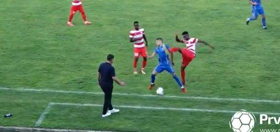 Faza IREALA in liga a doua din Serbia!Un jucator a fost facut KO cu o lovitura de KICKBOXING! S-a declansat NEBUNIA pe teren