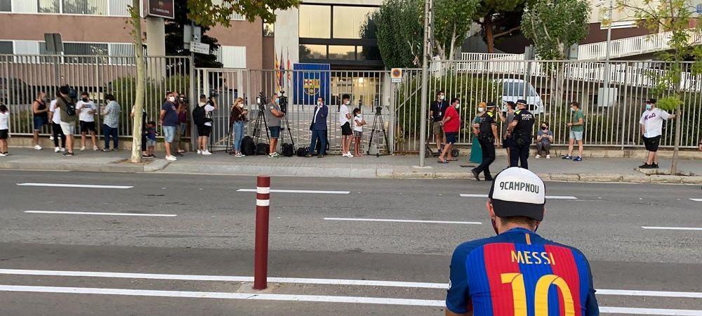 PROTEST pe strazile din Barcelona dupa anuntul lui Messi! Suporterii s-au adunat in jurul cladirii unde se afla oficialii clubului! Ce se intampla in Spania