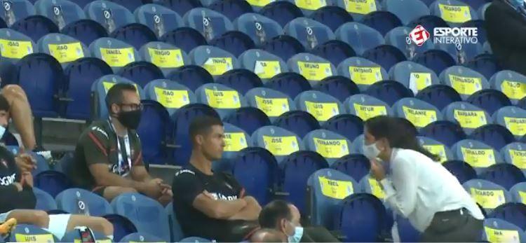 "VIDEO   ""Domnule Ronaldo, va rugam!"" :) Cum a fost surprins starul portughez in tribune la meciul din Nations League: clipul a devenit viral"