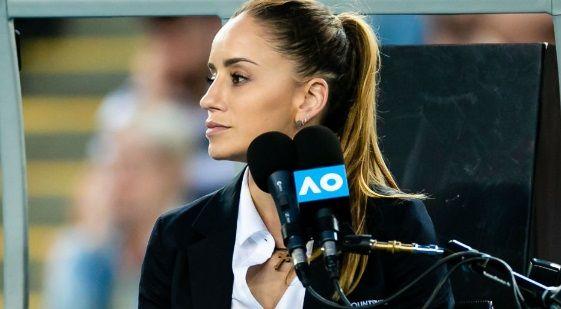 """""""E plina de SILICON!"""" Cea mai SEXY arbitra din tenis n-a pierdut timpul in pandemie. Imaginea de la US Open care a pus fanii pe jar"""
