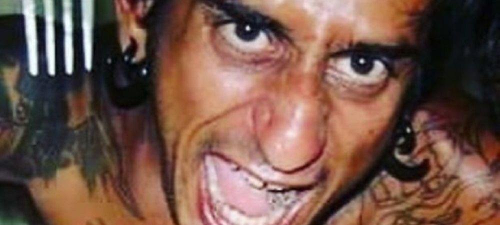 Nu l-ar mai recunoaste nici familia! Acest barbat s-a transformat intr-o CREATURA SINISTRA cu ajutorul tatuajelor si al implanturilor! Cum arata acum