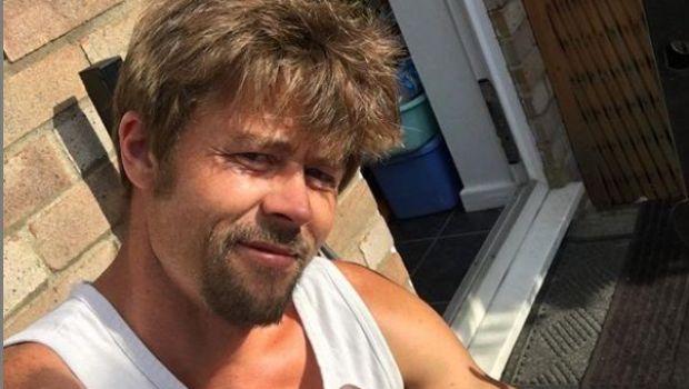 A realizat ca seamana cu Brad Pitt si a pornit VANATOAREA de bani! Cat castiga SOSIA actorului american in lumea filmelor FARA CENZURA