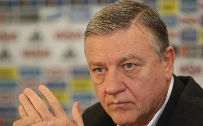 Tribunalul Bucuresti i-a decis soarta lui Mircea Sandu! Fostul presedinte al FRF fusese acuzat de luare de mita