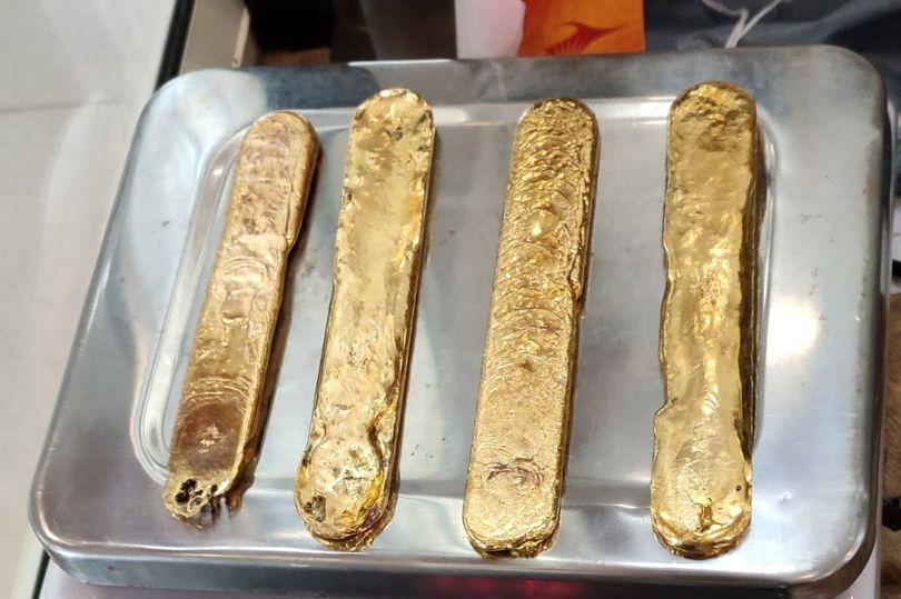 A calatorit pana in Dubai cu 1 kg de aur ascuns in interiorul sau! Cum a incercat un barbat sa scape de taxele suplimentare si ce l-a dat de gol