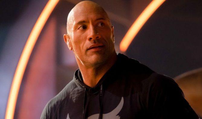 """Dwayne """"The Rock"""" Johnson se tine de GLUME! Celebrul actor i-a trimis 2 sticle de TEQUILA unei """"bunicute"""" care a implinit 101 ANI"""