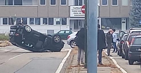 Tatal unui fotbalist de la Juventus s-a rasturnat cu masina in timp ce mergea sa-si ia fiul acasa! Imagini SOCANTE chiar de langa terenul de antrenament al echipei!