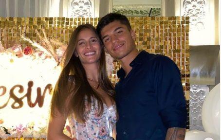 I-a pregatit o seara romantica iubitului fotbalist, dar s-a trezit cu HOTII in casa! Logodnica vedetei de la Lazio a cedat nervos: